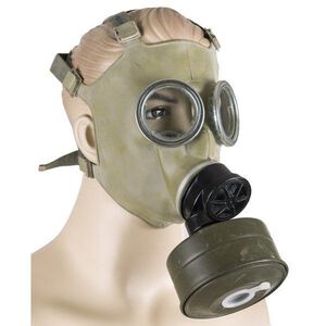 Polish MC-1 Gas Mask, 40mm NATO Filter, Carrying Bag Unissued Condition