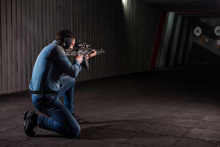 Kneeling rifle shooting stance