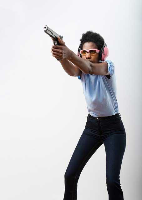 Isosceles handgun shooting stance